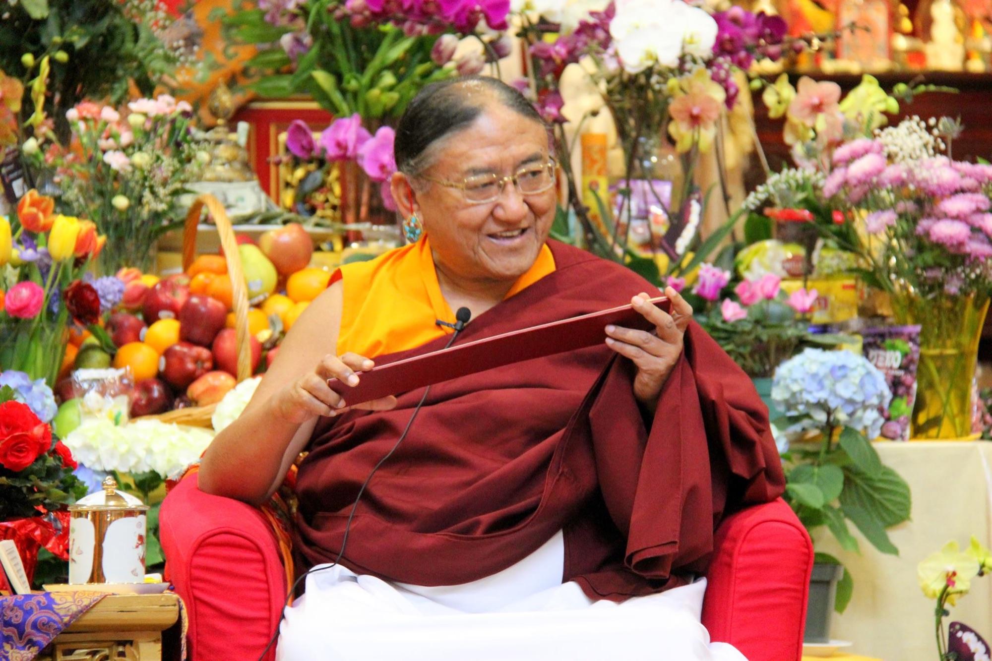 SAKA DAWA - H.H. 41 Sakya Gongma Trichen Rinpoche